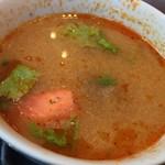 メナムのほとり - トムヤムスープ