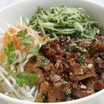 サイゴン・レストラン - 焼き豚のせビーフン・Bún thịt nướng