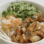 サイゴン・レストラン - 揚げ春巻きのせビーフン・Bún chả giò