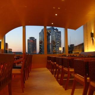 高層ビルの夜景が綺麗です!
