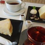 Rumor's Coffee - 料理写真:チーズケーキ シフォンケーキ