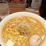 76016793 - 「コーンバター拉麺」(1100円)+「煮玉子」(120円)