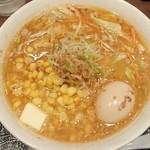 76016796 - 「コーンバター拉麺」(1100円)+「煮玉子」(120円)