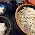 信州蕎麦の草笛 - 胡桃蕎麦  980円      胡桃に 出汁を いれて 混ぜてたべます