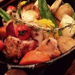 ぽち食堂 - 季節限定!淡路鶏と色々お野菜のオーブン焼き