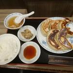 76018391 - 餃子定食、マルゴ(^^)