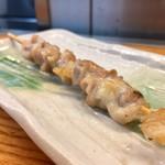 立ち呑み処 おか田 - 赤鶏 ハラミ串 250円