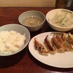 原宿餃子樓 - ライス、焼餃子、水餃子