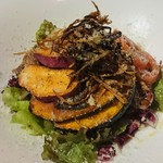 CarneTribe 肉バル - チキンと秋野菜のメリメロサラダ  1,280円