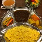 キッチン アユム - スパイシーキーマカレー&野菜カレー辛口