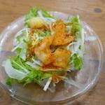MADE IN JAPAN かにチャーハンの店 - 海鮮サラダ120円