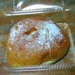 76026545 - キャラメルクリームパン