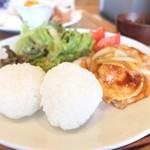 Onigily Cafe - 生姜焼きはしっかりとした味付け