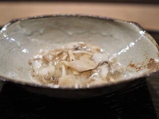 虎白 - 凌ぎ  鱧と松茸の飯蒸し