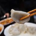 中国家庭料理 楊 - 皮も手作り水餃子490円
