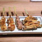 銀座 神籬 - 東京しゃもの手羽先、せせり、むね皮巻き 水郷赤鶏のぼんじり