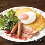 蔵味珈琲 - ベーコンエッグパンケーキ(Bacon & sausage with Pancakes)