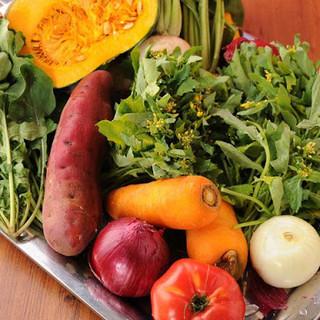 毎朝届き立ての自社農園有機野菜使用♪
