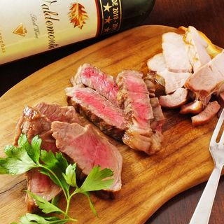 野菜にこだわったレストランのこだわり熟成肉を激安価格でご提供