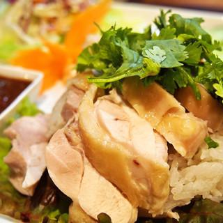 【カオマンガイにこだわる】ソース自慢!鶏肉の旨味の結晶