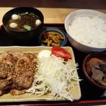 うま味処 つるき屋 - 豚生姜焼き定食