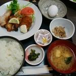魚たつ - 日替わり定食 750円