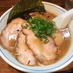 むらさき山 - 紫(ゆかり)そば 950円。