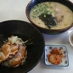 一龍 - 料理写真:らーめん丼セット850円
