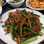 創作中華一達 美中味 - ニンニクの芽炒めランチ