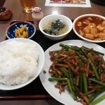 創作中華一達 美中味 - ニンニクの芽炒めランチ¥750