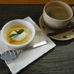 いろベジキッチン - ドリンク(コーヒー)&本日のミニデザート(紅茶プリン)@150