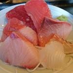 和鮮 しんま - お刺身は別皿です