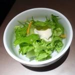 チャイニーズダイニング方哉 - 定食につくサラダ
