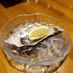 ナポリピッツァ オイスター&ワイン 大曽根バル オイスターズ - 北海道産生牡蠣