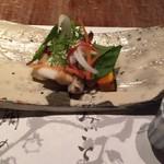 山荘無量塔 - 地鶏燻製サラダ