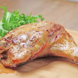【AGaRu名物】贅沢骨付きもも肉の1本焼き!