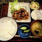 7607472 - 家庭料理 朋 @八丁堀 豚肩ロース生姜焼き(定食) 700円