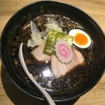 京都 五行 - 焦がし味噌麺 890円