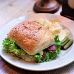 Bird - 料理写真:アボカドとベーコンのターキッシュサンド
