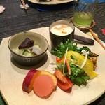 踵屋敷 - 料理写真:前菜的な…?