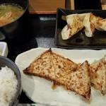 76083383 - 餃子定食Aランチ(スタミナ餃子、キムチ餃子)¥600+ポテサラ餃子¥170