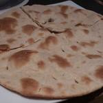 マントラ - ・Tandoori Roti 430円