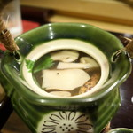 鮨 なが井 - 松茸土瓶蒸し(はも、ホタテ、タイ、銀杏)