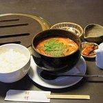 四季の家 - ランチメニューの『豆乳スープ(赤)』 ボリューム満点。