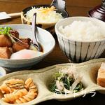 素 - 家族連れに人気。いろいろな味わいが詰まった御膳メニュー