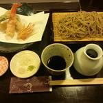 76095416 - せいろ蕎麦と海老天ぷら。