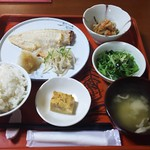伊藤旅館 おうちごはん  - 料理写真:赤魚の塩麹漬け焼です❗