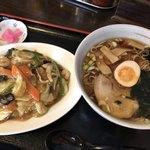 大黒屋 - 料理写真:Bセット ラーメンと中華丼870円