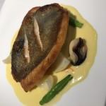 76109763 - 魚料理  的鯛のポワレ
