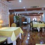 レストラン唐津迎賓館 - このレストランのオーナーシェフ吉野好宏さんは唐津市厳木町出身。